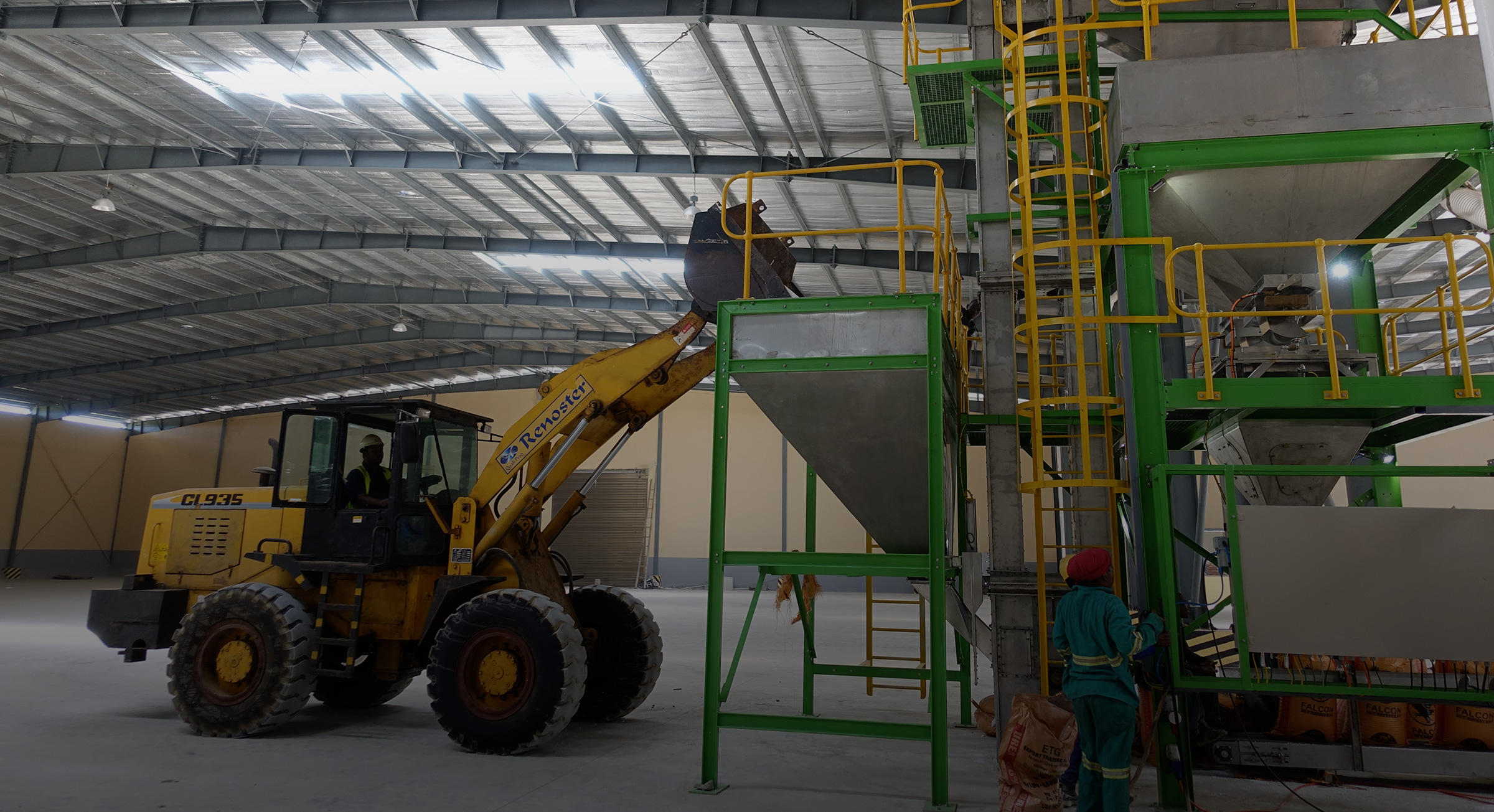 Tips on how to choose a fertilizer machine
