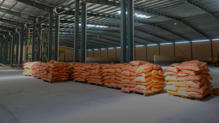 How to store and manage fertilizer